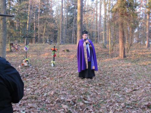 Modlitwa na cmentarzu cholerycznym (1)