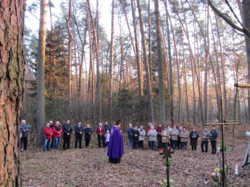 Modlitwa na cmentarzu cholerycznym (10)