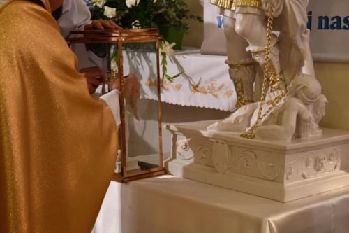NAWIEDZENIA FIGURY ŚW. MICHAŁA ARCHANIOŁA Z GROTY OBJAWIEŃ NA GARGANO